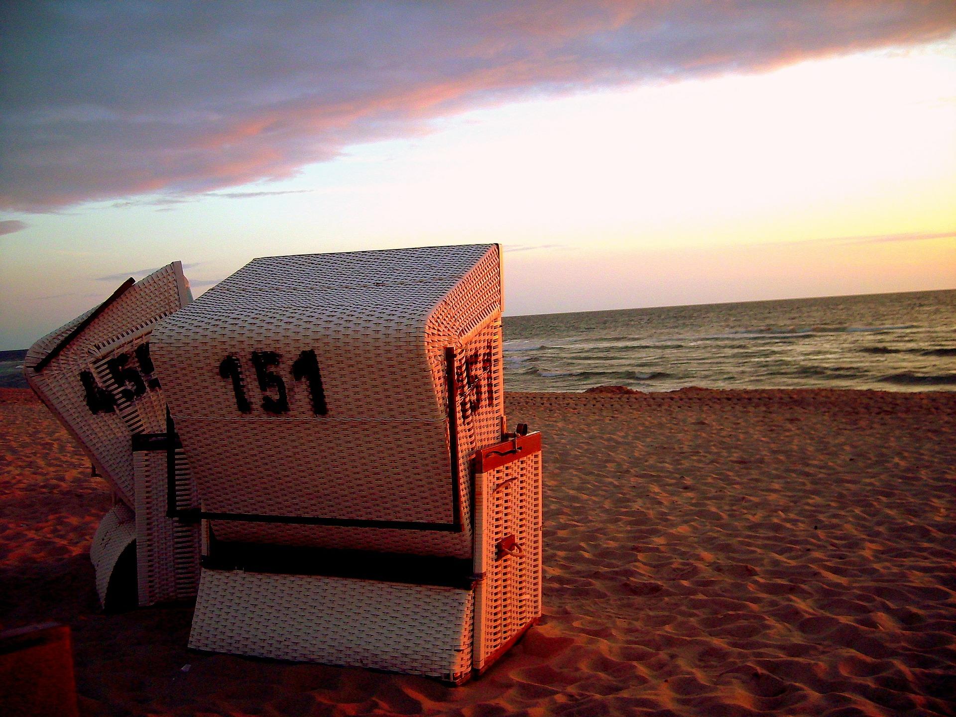 beach-chair-187700_1920