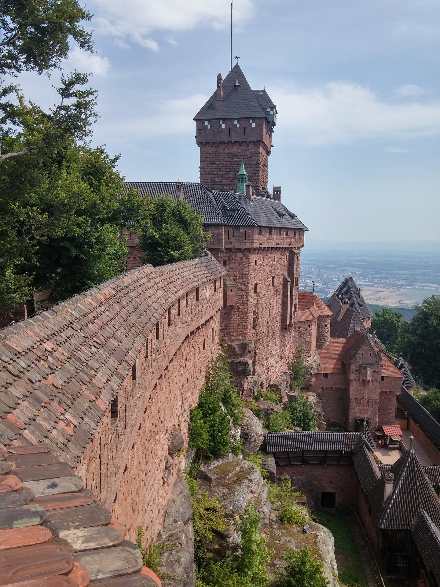 castle-1384457_1920