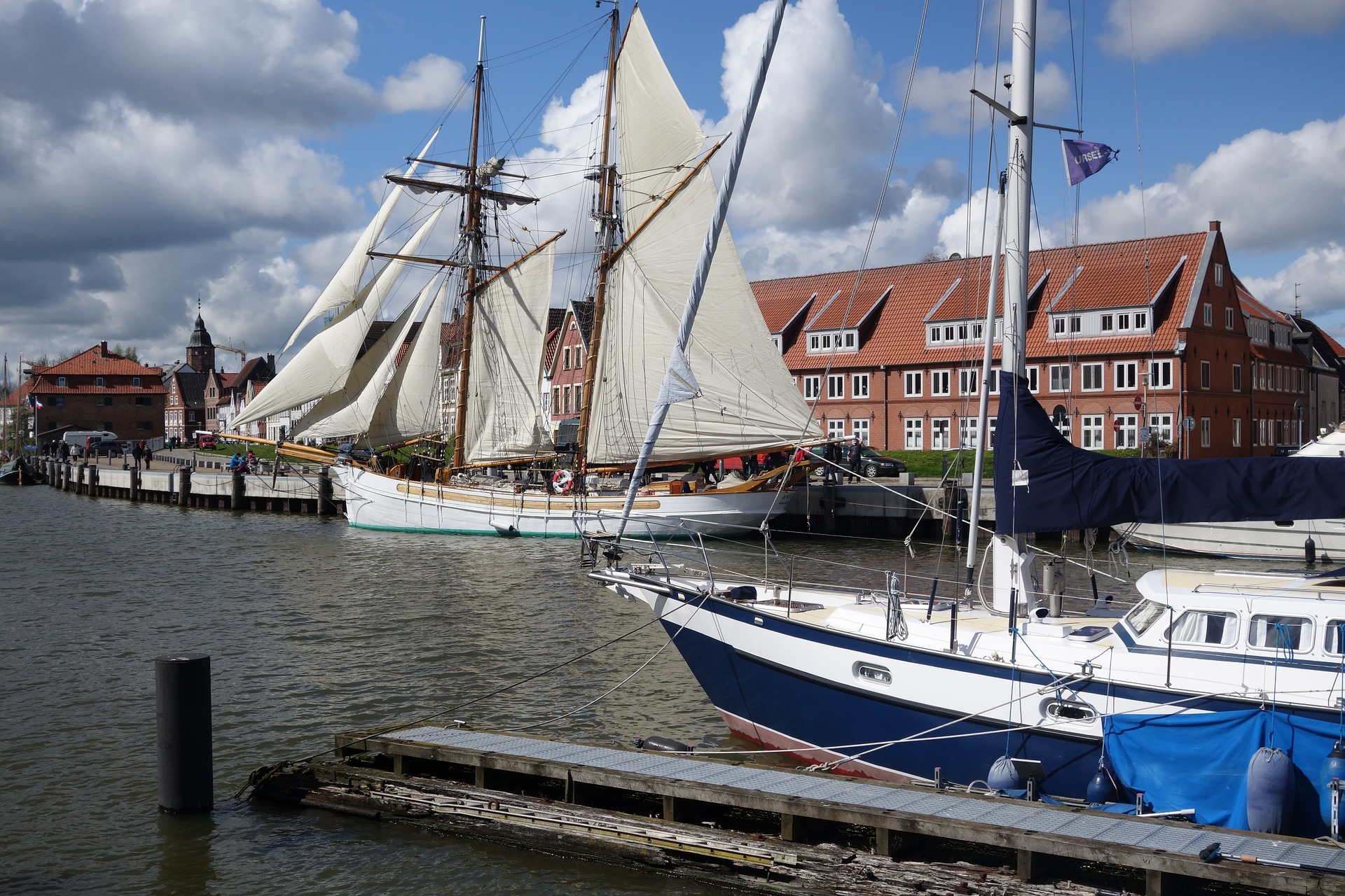 sailing-boat-3311124_1920