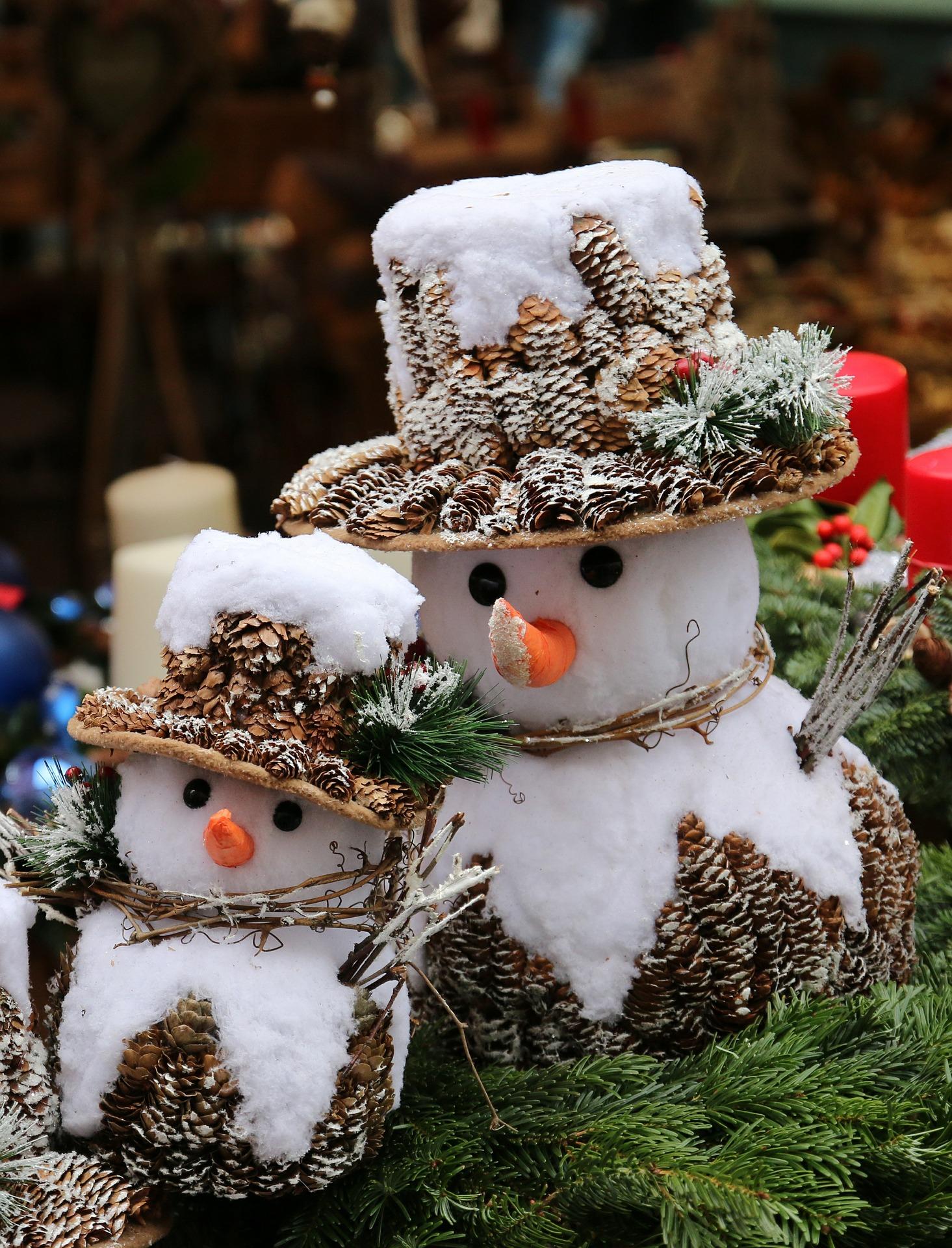 snowmen-550355_1920